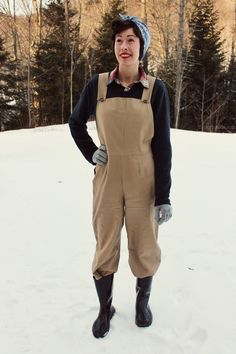 Lucky Lucille's 40s farm girl overalls of amazingness. I want to live in this blog.