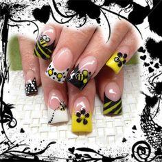 Beee Inspired 3D Nail Art