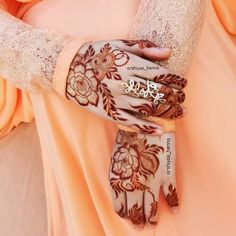 Modern Henna Designs, Mehandhi Designs, Floral Henna Designs, Back Hand Mehndi Designs, Stylish Mehndi Designs, Mehndi Designs Book, Mehndi Designs For Girls, Wedding Mehndi Designs, Mehndi Designs For Fingers