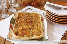 Aubergine and goat cheese pie. Quiches, Tapas, Veggie Main Dishes, Side Dishes, Cheese Pies, Savory Tart, Food N, Vegetarian Cooking, Sweet Cakes