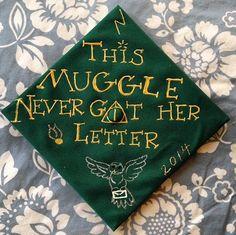 A Harry Potter inspired graduation cap by Olivia Valentine via Instagram