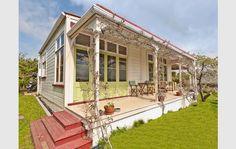 Love this verandah.  1900's Villa - Wanganui, New Zealand