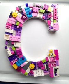 Esto es una carta de mosaico de orden utilizando ladrillos de LEGO® genuino y personalizado con los granos de nombre. SE VENDE. SÓLO una