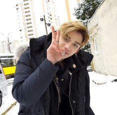 🐜 minbby ♪ 𝓁𝑜𝓋𝑒 𝒾𝓃 𝓉𝒽𝑒 𝓂𝑜𝑜𝓃𝓁𝒾𝑔𝒽𝓉 Lucas Nct, Nct 127, Playboy, Sm Rookies, Mark Nct, Dahyun, How Big Is Baby, Big Baby, Jung Woo