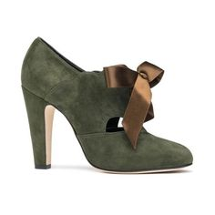 Sarah Flint Mosha (€675) ❤ liked on Polyvore featuring shoes, sandals, mid heel, olive, leather footwear, mid heel shoes, sarah flint sandals, military green shoes and mid-heel shoes