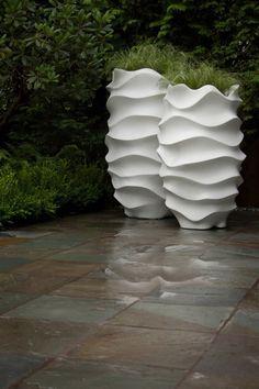 cache-pots ondulants de design extraordinaire