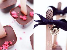 Lifetime: Schokolade am Stiel, Himbeerzucker, Glöckchen, Trinkschokolade