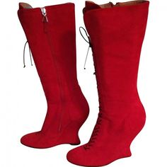 Pre-owned ALAIA Red Suede Boots ($985) ❤ liked on Polyvore featuring shoes, boots, red suede shoes, red boots, alaia shoes, suede shoes and pre owned shoes