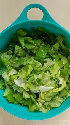 Ciorbă de salată verde cu afumătură – Rețete LCHF Lettuce, Spinach, Supe, Food And Drink, Vegetables, Green, Vegetable Recipes, Salads, Veggies