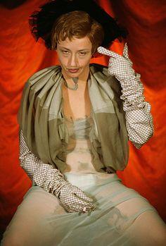 Cindy Shermans  Münchner Sammlung Goetz zu sehen: Untitled #299, 1994, Farbfotografie, 122 x 81 cm