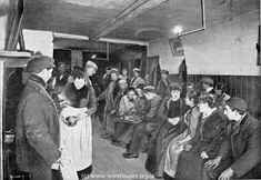A photo showing the interior of a common lodging house kitchen. Victorian London, Vintage London, Old London, Victorian Life, Dorset Street, 19th Century London, East End London, London History, England