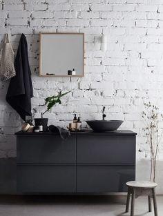 Simply grey bathroom