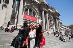 From USD $49.00 Gossip Girl Sites Tour. Experience a day in the life of Manhattan's elite on the Gossip Girl TV Sites tour! Enter the playground of the privileged prep school teens on a brand new tour of more than 30 Gossip Girl Sites that were used on the hit TV series.
