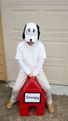 20 Ideas for Diy Snoopy Costumes . Snoopy Costumes for Men Women Kids Dog Costumes For Kids, Cute Baby Halloween Costumes, Book Day Costumes, Christmas Costumes, Costume Ideas, Halloween Ideas, Diy Costumes, Charlie Brown Costume, Charlie Brown Halloween