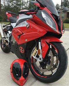 Deadpool motorbike and helmet?! This BMW S 1000 RR fits so well! <3