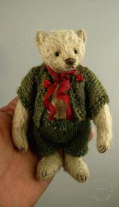 Vincent, Miniature Mohair Artist Teddy Bear from Aerlinn Bears