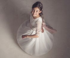 Fotografia Tutorial, Cute Poses, First Holy Communion, Junior, Children Photography, Diana, Wedding Gowns, Bridesmaid, Photoshoot