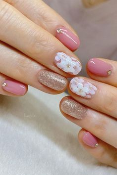 Cute Nail Art Design Ideas With Pretty & Creative Details : Flower & glitter nails