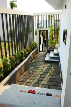 House Design, House Interior Decor, Home Room Design, House Architecture Design, House Entrance, Small House Design, Courtyard Design, Balcony Design, House Exterior
