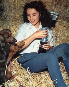 The Long and Short of it All: A Dachshund Dog News Magazine: Dachshund Lover Elizabeth Taylor Passes