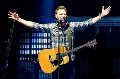 Dierks Bentley Meet-and-Greet Turns into Tearful Military Family Reunion