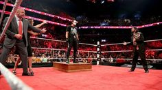 Sting embosca a Triple H y Seth Rollins: fotos   WWE.com