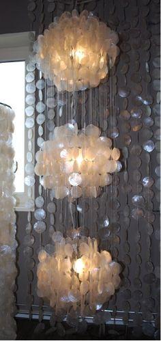 hanglamp #schelpen #lamp #interieur #verlichting #interior #interieurwinkel #interiorstore #meubels #en #meer #mijdrecht #meubelsebnmeer #white #silver #zilver #transpirant