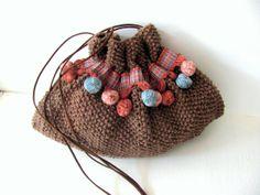 Riñonera.Cottonpompones rosa azulcuero marrón marrón por AnnaLela, $60.00