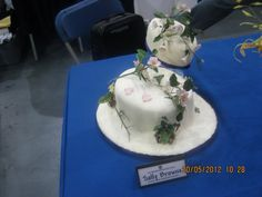 This was done for my display of my flowers demstration at the nec Brown Sugar Cakes, Display, Baking, Desserts, Flowers, Food, Floor Space, Tailgate Desserts, Deserts