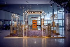 Trinity triumph: Bulgari opens landmark airport pop-up with Dufry at Helsinki Airport Kiosk Design, Display Design, Retail Design, Helsinki Airport, Exhibition Booth Design, Retail Concepts, Pop Up Shops, Stand Design, Set Design