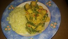 Eenvoudige lekkere curry met sperziebonen paprika en lente-uitjes Simple tasty curry with green beans, peppers and spring onions Coconut Butter Recipes, Wok, Guacamole, Food Print, Green Beans, Curry, Tasty, Stuffed Peppers, Healthy Recipes