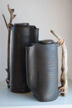 ▲ C E R A M I C S ▲ Sculpture Argile, Sculpture Clay, Slab Pottery, Hand Built Pottery, Pottery Art, Ceramic Pottery, Pottery Wheel, Ceramic Design, Terracotta