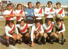 1971. River Plate - Parados: Juan J. López, Osvaldo Pérez, José A. Pérez, Laraignée, Pellerano y Dominichi. Agachados: Pignani, Della Savia, Marchetti, Daniel Onega y Norberto Alonso