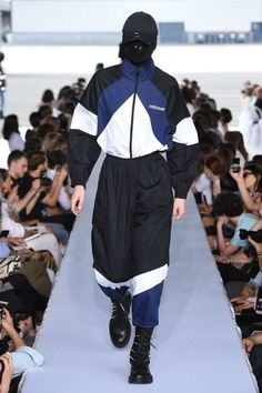 Vetements Spring 2019 Menswear Fashion Show - Vetements Spring 2019 Menswear Fashion Show Vetements Spring 2019 Menswear Collection – Vogue Sport Fashion, Fashion Brands, Men's Fashion, Fashion Outfits, Fashion Design, Fashion Capsule, Petite Fashion, Fashion Bloggers, Curvy Fashion