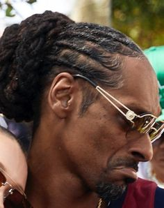 Disco Fashion, Dreadlock Hairstyles, Snoop Dogg, Meme Faces, Selfie, Mood Pics, Eminem, Hair Inspiration, Persona
