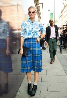 Tartan skirt with printed shirt