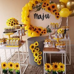 70 lovely ideas on how to make yours - Birthday FM : Home of Birtday Inspirations, Wishes, DIY, Music & Ideas Sunflower Party Themes, Sunflower Birthday Parties, Sunshine Birthday Parties, Girl Baby Shower Decorations, Balloon Decorations, Birthday Party Decorations, Wedding Decorations, Yellow Party Decorations, Sunflower Baby Showers