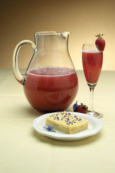 The Herb Companion has 8 recipes for using your Lavender, from a Strawberry Lavender Spritzer to Lavender Bread Pudding. how-doth-my-garden-grow Lavender Cake, Edible Lavender, Lavender Shortbread, Yummy Drinks, Delicious Desserts, Painkiller Recipe, Fairy Food, Lavender Recipes, Culinary Lavender