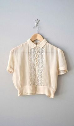 Hang Me Up... fashion vintage blouse lace peter pan collar cute style