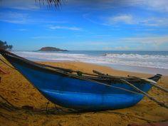 fishing boat, Mirissa, Sri Lanka (www.secretlanka.com)
