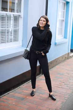 Scandinavian Style Winter/Fall Outfit- all black everything (The Anna Edit)