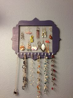 Domesblissity: Thriving on Thursdays - Linky Party # 99 - Featured Jewelry Holder