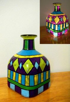 Hand Painted bottle light up art stained glass Mosaic Bottles, Painted Glass Bottles, Glass Bottle Crafts, Wine Bottle Art, Diy Bottle, Decorated Bottles, Glass Painting Designs, Stained Glass Paint, Wine Craft