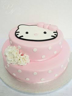 Pretty hello kitty cake