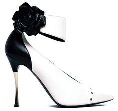 Nicholas Kirkwood #Shoes #Pumps #Black&White