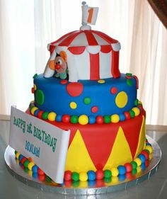 Thank u so much for isaiahs cake. Isaiah totally loved his smash cake. He put his hand all i. Circus Theme Cakes, Carnival Cakes, Carnival Themed Party, Carnival Birthday Parties, Themed Birthday Cakes, Circus Birthday, Themed Cakes, Circus Party, Circus Wedding