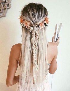 pinterest: camilleelyse Short hair, long hair, braids. Hair & Beauty inspiration blonde, bobs, buns, brunette, hair inspiration, hair styles, blonde hair, curly hair, hair style ideas.