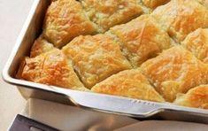 Chicken pie with onions (Kotopita me kremmydia) - iCookGreek Greek Pita, Eat Greek, Snack Recipes, Cooking Recipes, Healthy Recipes, Snacks, Middle East Food, Savoury Baking, Savoury Pies