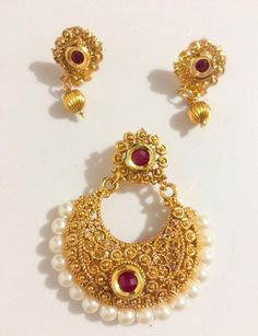 Bonyhub.com Fashion Jewelry Necklaces, Fashion Necklace, Bollywood Bridal, Gold Designs, Imitation Jewelry, Neck Piece, Online Collections, Pendant Set, Necklace Designs