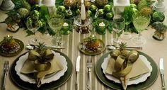 Se você quer uma mesa bonita, enfeitada e perfeita para o seu Natal, veja fotos e dicas para você se inspirar para decorar com muito estilo!